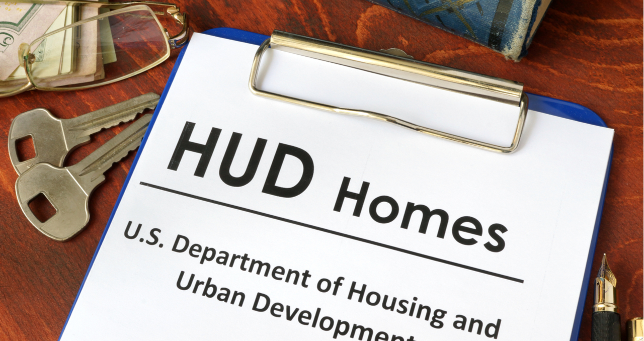 7 Pros and Cons of Buying HUD Homes as Rental Properties