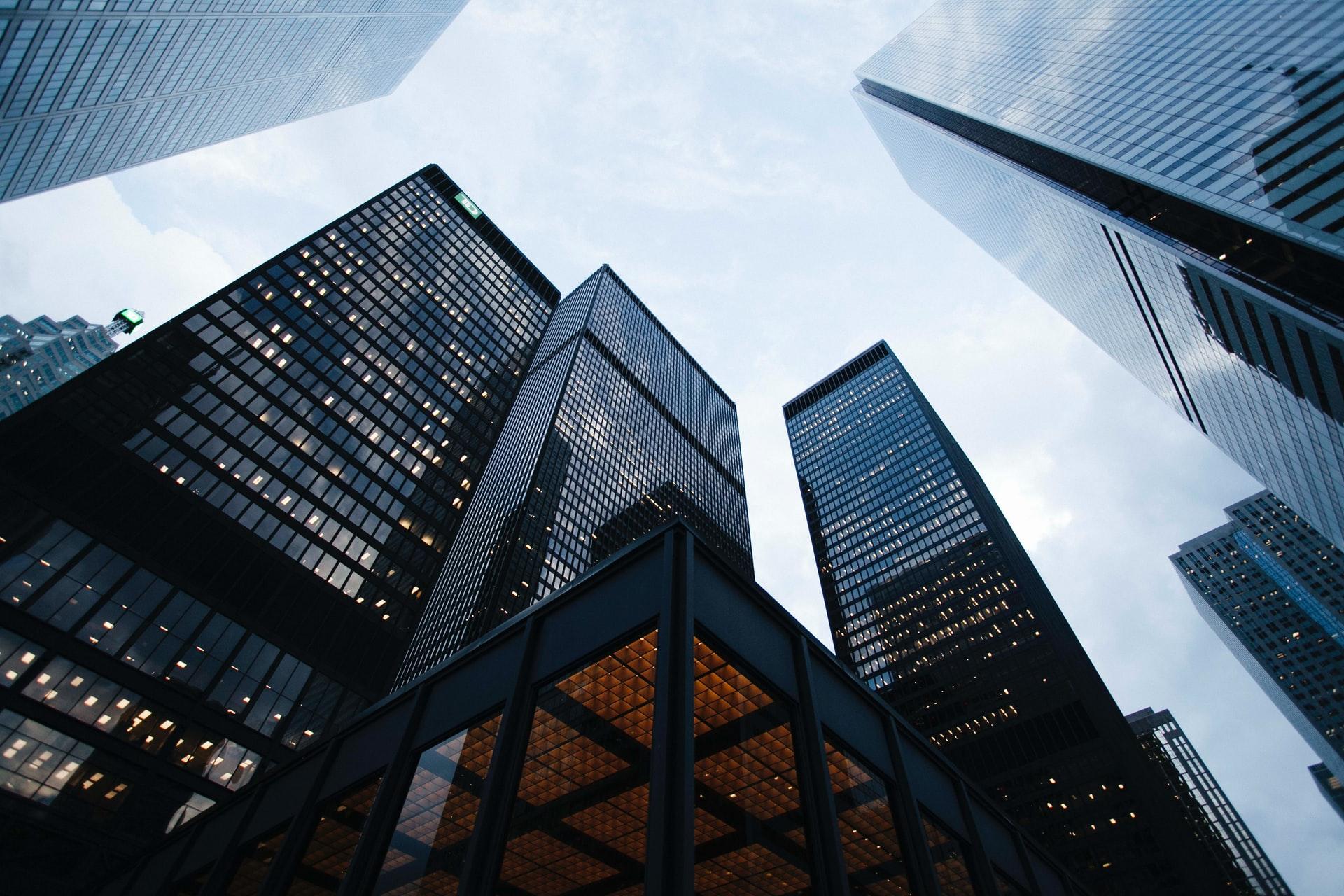 8 Must-have Features for Enterprise Digital Signage