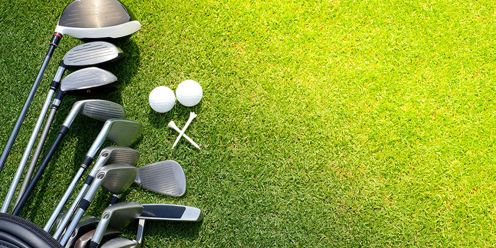How Many Clubs In a Golf Bag? Maximum Limit and More Info