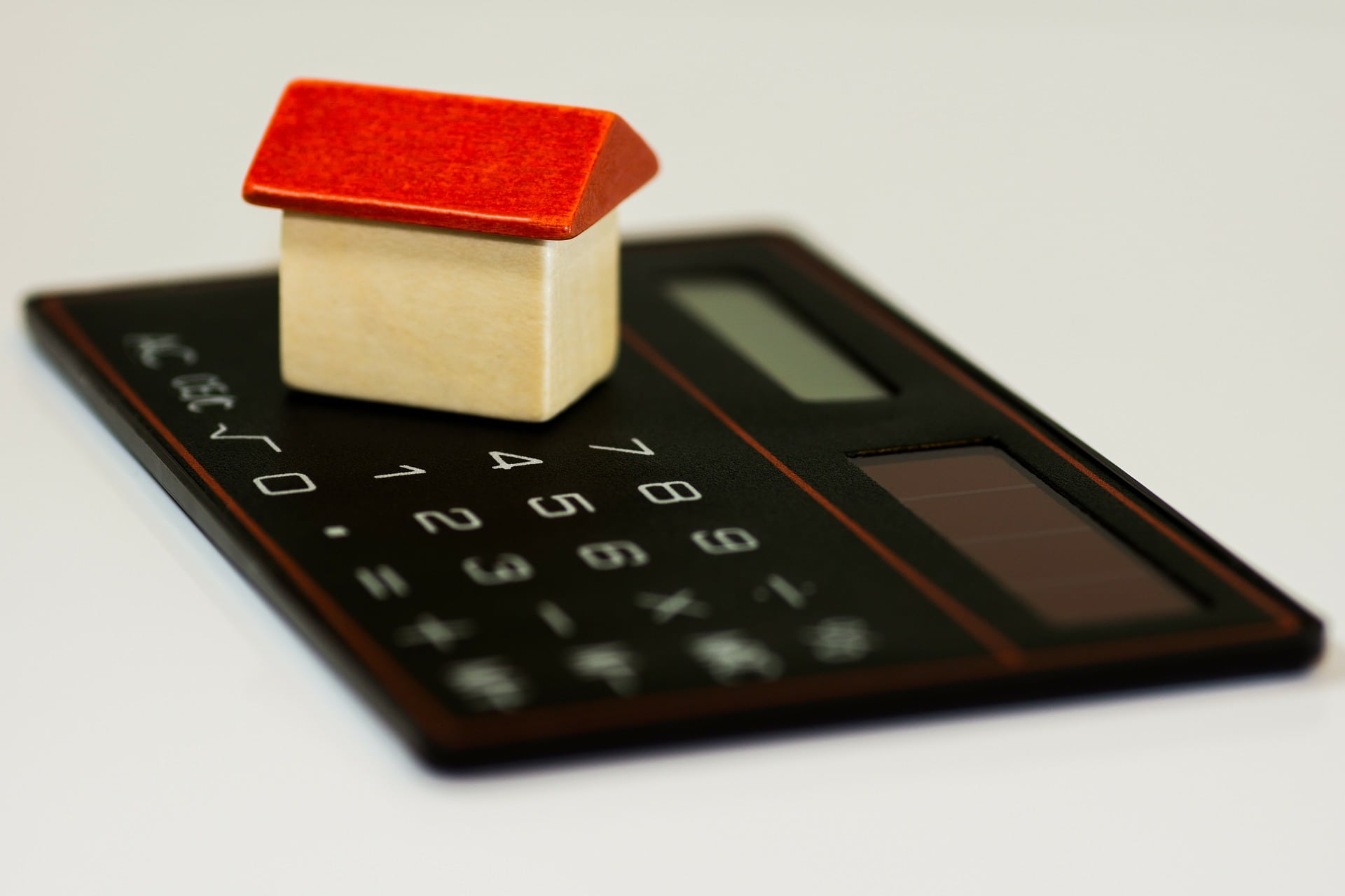 How Interest Rates Impact Investment Property ROI